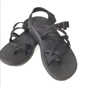 Like new black double strap chacos